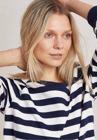 Hunkydory - Sweatshirt - white / blue - 4