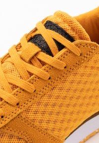 Woden - YDUN SUEDE MESH II - Sneakers laag - autumn blaze - 2