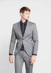 Selected Homme - SLHSLIM MYLOLOGAN SUIT - Oblek - dark grey melange - 2