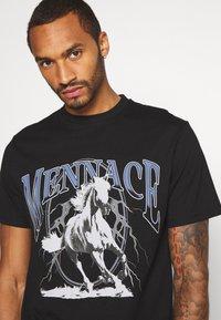 Mennace - LIGHTNING FAST TEE - T-shirt med print - black - 3