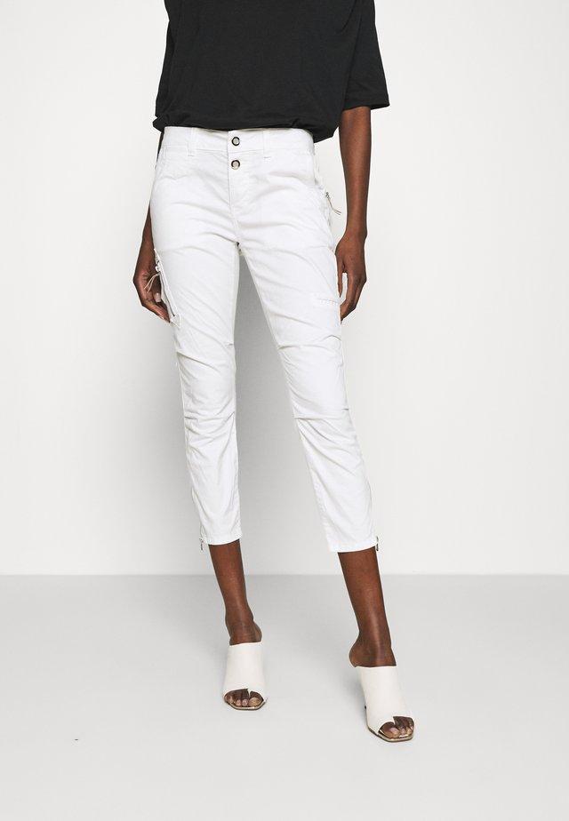 VALERINE PANT - Broek - white