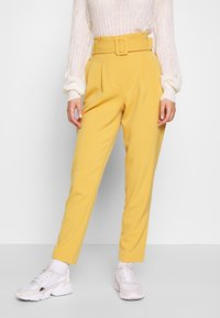 ONLY - ONLSICA PAPERBAG PANTS - Kalhoty - spruce yellow - 0