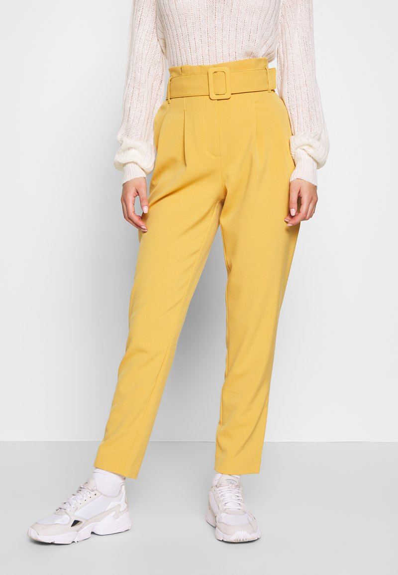 ONLY - ONLSICA PAPERBAG PANTS - Kalhoty - spruce yellow