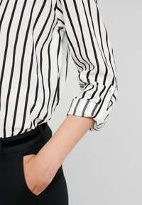 edc by Esprit - STRIPE - Long sleeved top - off white - 4