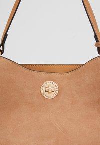 L.CREDI - EVELINA - Handbag - camel - 2