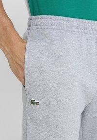 Lacoste Sport - CLASSIC PANT - Teplákové kalhoty - silver chine - 4