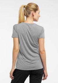 Haglöfs - RIDGE HIKE TEE - Basic T-shirt - concrete - 2