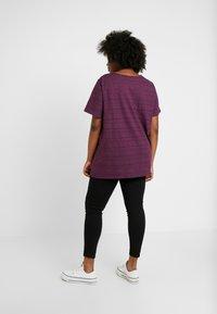 ONLY Carmakoma - Slim fit jeans - black - 2