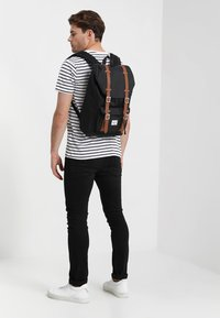 Herschel - LITTLE AMERICA MID VOLUME - Rygsække - black - 1
