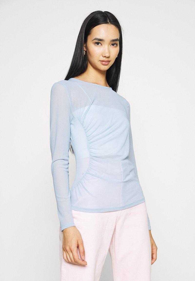NA-KD - ASYMMETRIC GATHERED - Long sleeved top - blue