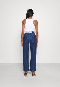 KENDALL + KYLIE - STRAIGHT - Jeans straight leg - medium blue/dark blue - 2