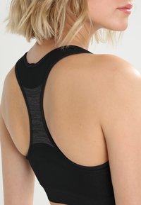 ODLO - SEAMLESS MEDIUM               - Reggiseno sportivo con sostegno medio - black/steel grey - 3