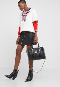 MICHAEL Michael Kors - Handbag - black - 1