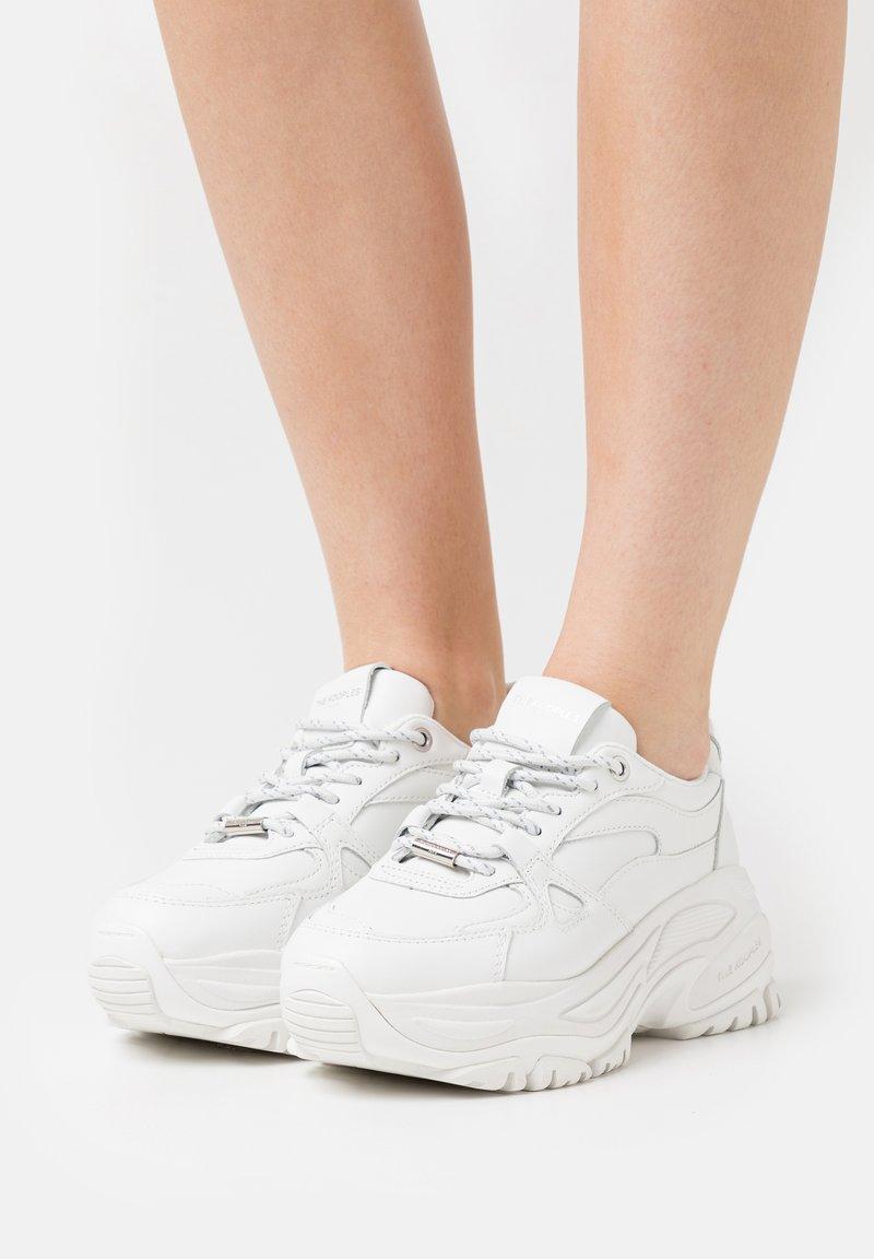The Kooples - BASKETS AVEC GROSSE SEMELLE - Sneakers laag - offwhite