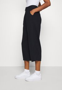 Hollister Co. - WIDE LEG  - Kalhoty - black - 3