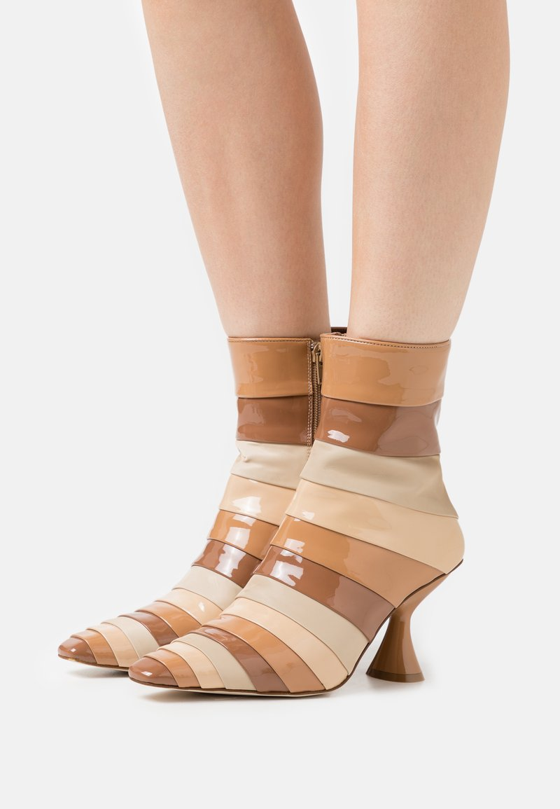 Jeffrey Campbell - LAYOVER - Classic ankle boots - nude/multicolor