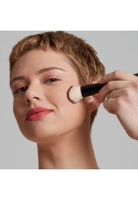 Nyx Professional Makeup - TOTAL CONTROL PRO DROP FOUNDATION - Foundation - vanilla - 1