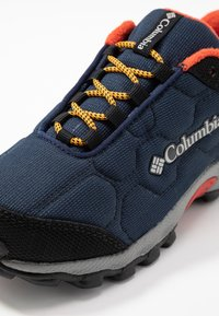 Columbia - YOUTH FIRECAMP SLED 3 WP UNISEX - Hiking shoes - collegiate navy - 2