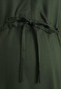 MAMALICIOUS - MLZION LIA DRESS  - Vestido ligero - duffel - 2