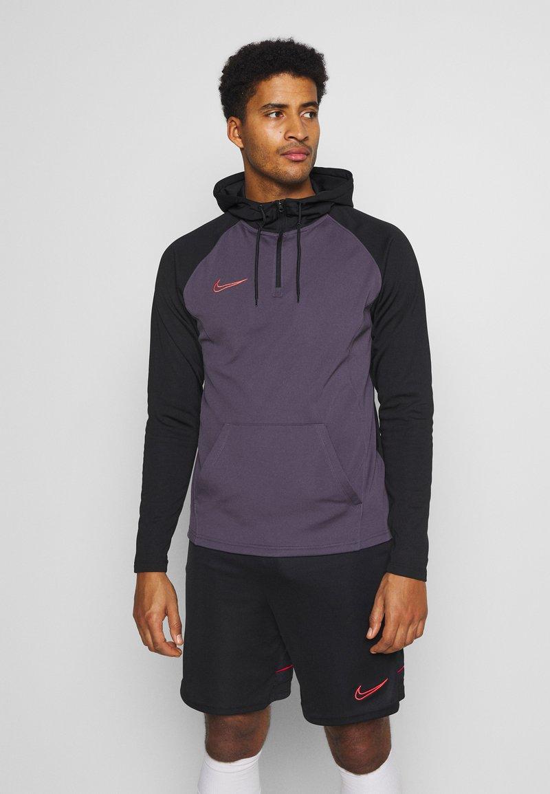 Nike Performance - DRY ACADEMY HOODIE  - Hoodie - dark raisin/black/siren red