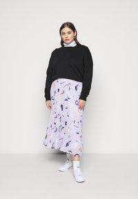 Zign - Slit Sides Oversized Sweatshirt - Sweatshirt - black - 1