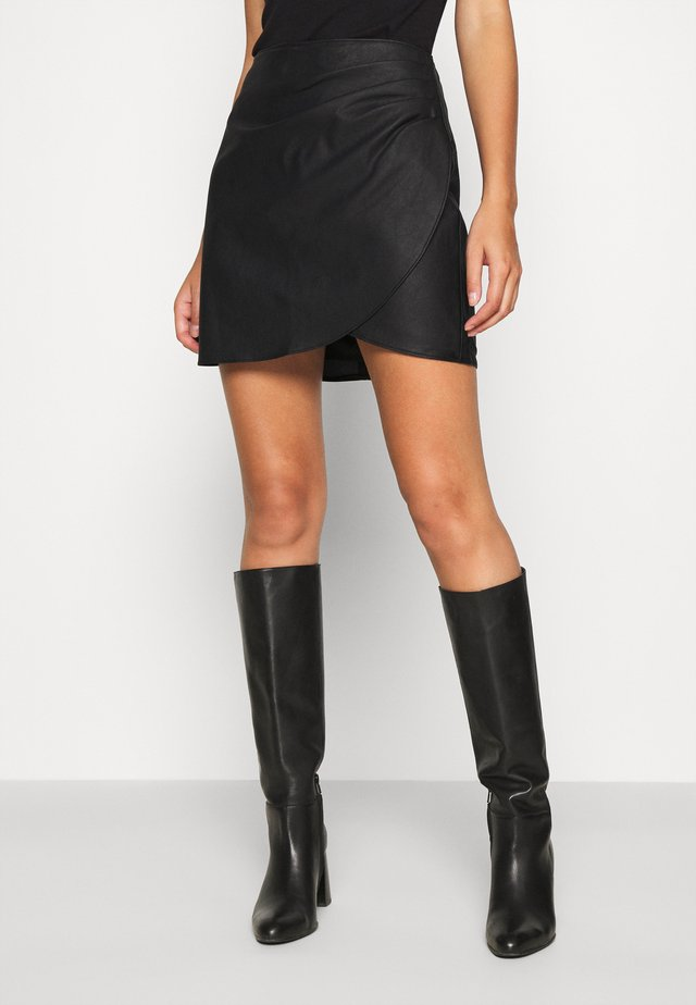 BELTED VEGAN SKIRT - Mini skirt - black