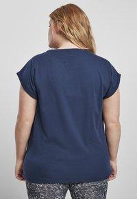 Urban Classics - EXTENDED SHOULDER TEE - Camiseta básica - darkblue - 1