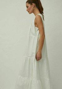 Vila - Maxi dress - cloud dancer - 5