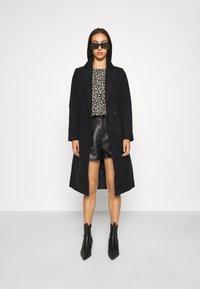 Vila - VIPOKU COAT - Classic coat - black - 1