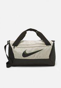 Nike Performance - DUFF SLUB UNISEX - Sporttas - stone/black - 0
