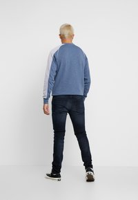 Junk De Luxe - HYDROLESS - Jeans Skinny Fit - shadow wash - 2