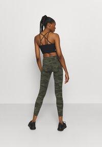 Sweaty Betty - POWER WORKOUT LEGGINGS - Leggings - olive - 2