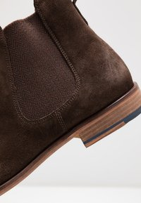 Jacamo - REAL CHELSEA BOOT - Classic ankle boots - dark brown - 5