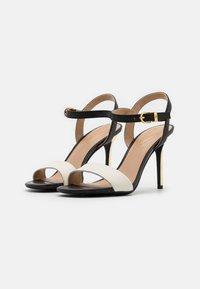 Lauren Ralph Lauren - GWEN - Sandály na vysokém podpatku - vanilla/black/gold - 2