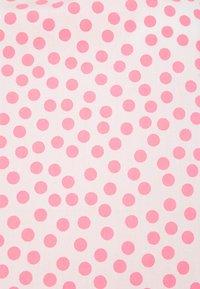 Emily van den Bergh - Top - neon pink - 2