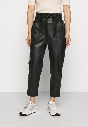 ONLDIONNE PANT  - Pantalon classique - black