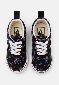 Vans - ERA ELASTIC LACE - Sneakers laag - black/true white - 3