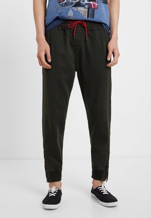 JHON - Tracksuit bottoms - green