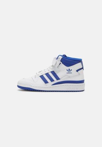 FORUM MID J UNISEX - Zapatillas altas - white