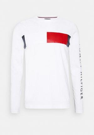 BRANDED - Long sleeved top - white