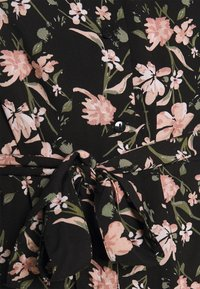 Pieces - PCCARLY SHIRT DRESS - Day dress - black - 5