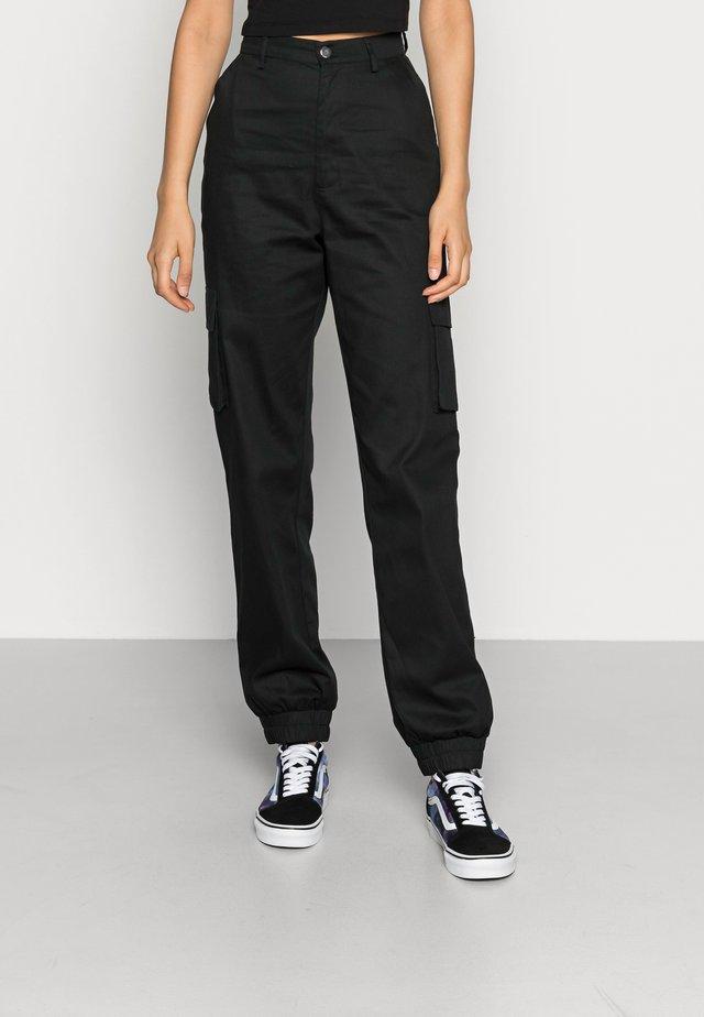 PLAIN CARGO TROUSER - Pantalon cargo - black