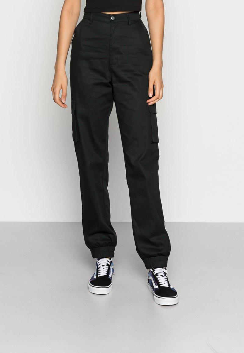 Missguided - PLAIN TROUSER - Pantalon cargo - black