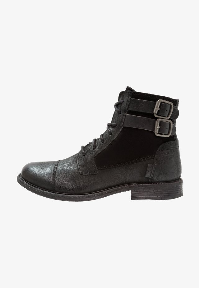 MAINE W BUCKLE - Cowboy/biker ankle boot - regular black