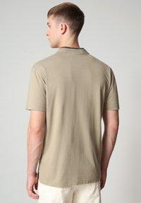 Napapijri - S-OAHU - Print T-shirt - silver sage - 2