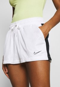 Nike Sportswear - Shorts - white/black - 5