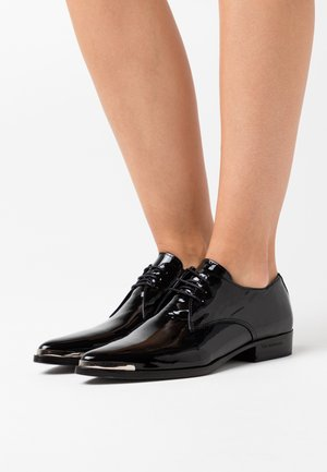 DERBIES - Šněrovací boty - black