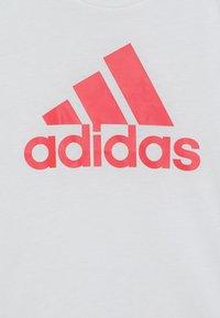 adidas Performance - YG MH BOS TEE - Camiseta estampada - white - 3
