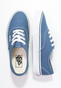 Vans - AUTHENTIC - Skateboardové boty - navy - 1