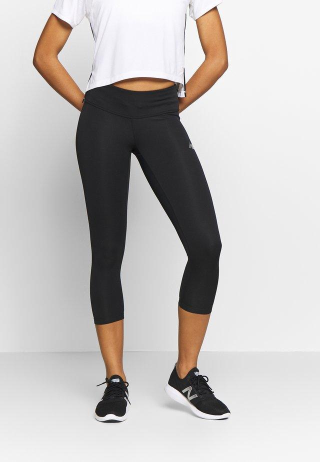 ACCLERATE CAPRI - Pantalon 3/4 de sport - black